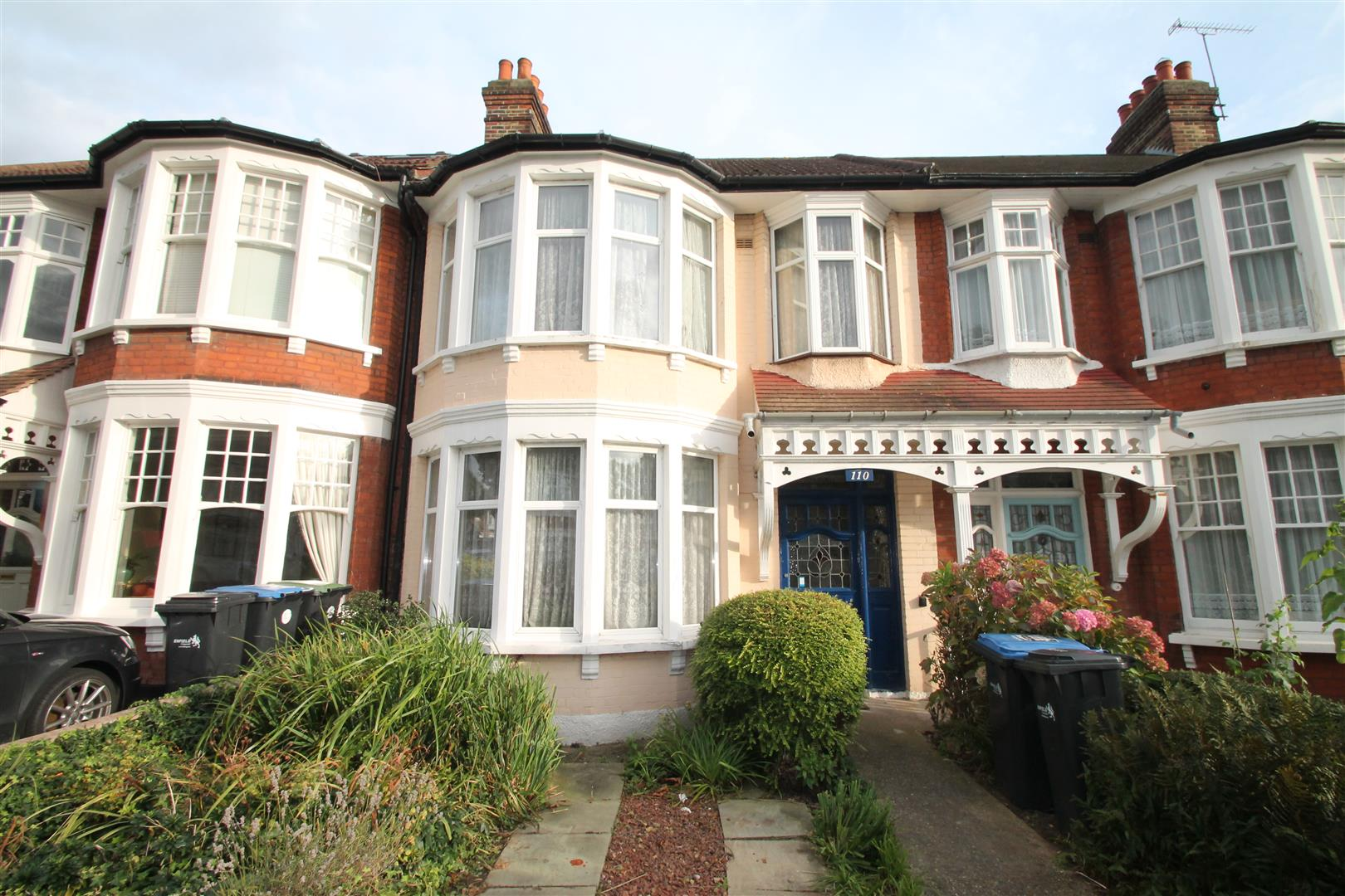 3 Bedrooms House for sale in Riverway, Palmers Green, London N13